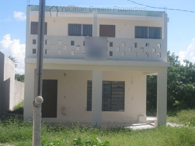 Beach house in Chelem 2 story