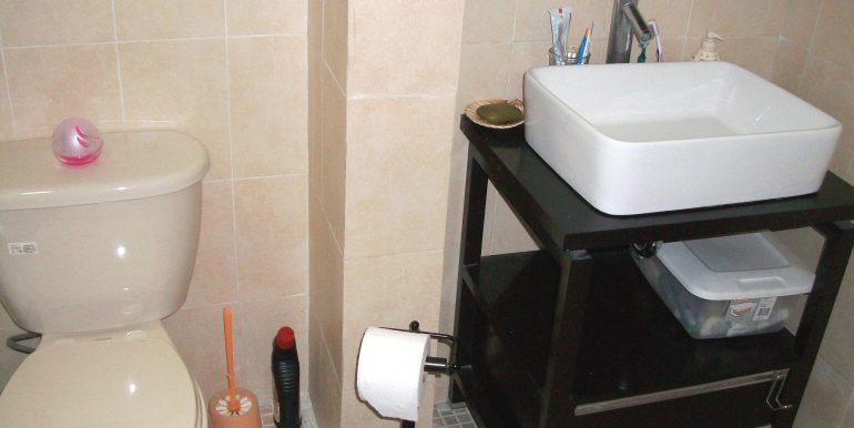 bathroom_house3