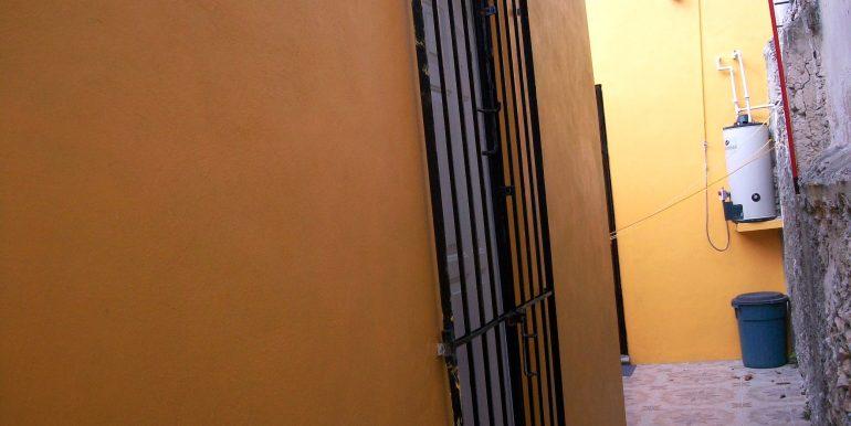 bodega_door_house_back