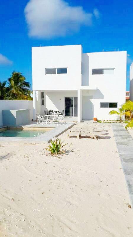 New construction beach house Chixculub 2nd row with pool