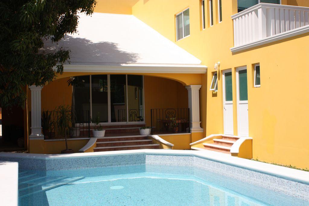 Beautiful high end estate home in Merida with pool + 4 car garage