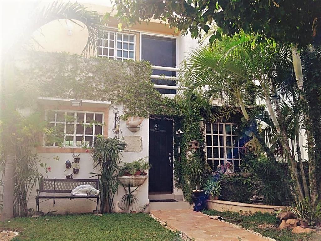 Se Vende o se renta preciosa casa de dos plantas en una privada de chuburna de hidalgo